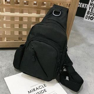 【斜めがけバッグ】 ボディバッグ 大容量【ブラック】男女兼用(ボディーバッグ)