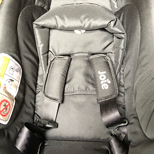 Joie (ベビー用品)(ジョイー)の【売約済み】joie チャイルドシート+ベース キッズ/ベビー/マタニティの外出/移動用品(自動車用チャイルドシート本体)の商品写真