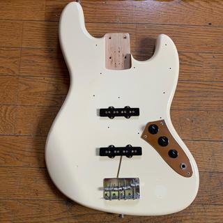 フェンダー(Fender)のFENDER JAPAN JAZZ BASS JB62 ボディーのみ/ジャンク(エレキベース)