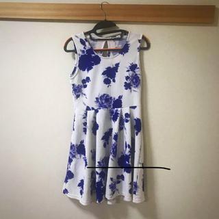 シマムラ(しまむら)の花柄 フラワー ワンピース ロイヤルブルー(ミニワンピース)