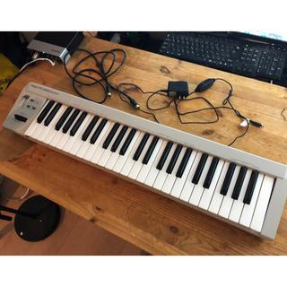 ローランド(Roland)のRoland PC-200 49鍵 ケーブル アダプター 電源付(MIDIコントローラー)