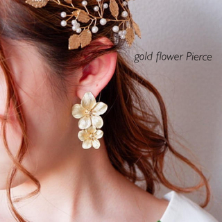 gold flower Pierce♡