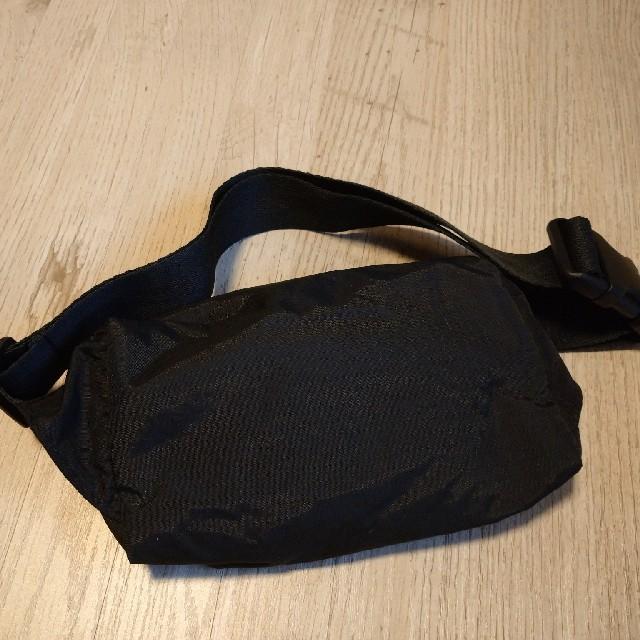 LeSportsac(レスポートサック)のレスポートサック LeSportsac ボディバッグ 黒 ブラック レディースのバッグ(ボディバッグ/ウエストポーチ)の商品写真