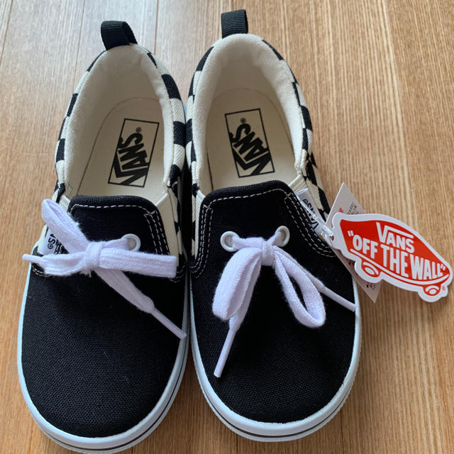 VANS(ヴァンズ)の新品未使用 Vans スリッポン 18cm  キッズ/ベビー/マタニティのキッズ靴/シューズ(15cm~)(スリッポン)の商品写真