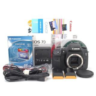 キヤノン(Canon)のCFカード・バッテリー2個・元箱付き♪Canon 7D ボディ♪(デジタル一眼)