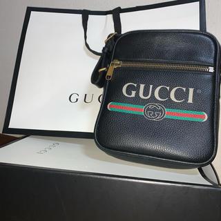グッチ(Gucci)のGUCCI プリント メッセンジャーバッグ(メッセンジャーバッグ)