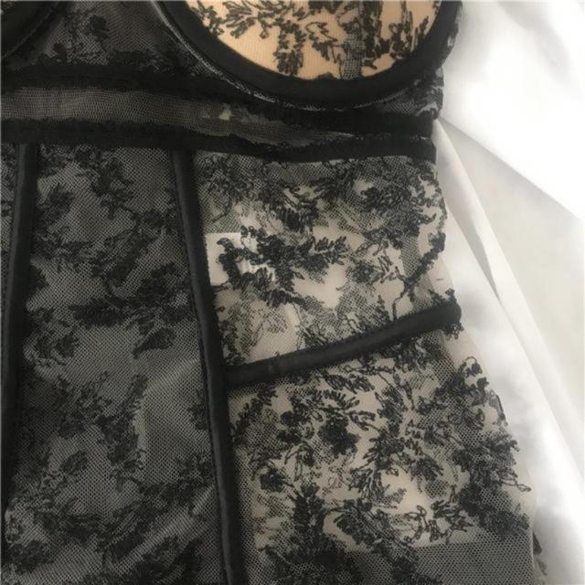 Victoria's Secret(ヴィクトリアズシークレット)のブラック レース モノキニ 水着 フランスインポート レディースの水着/浴衣(水着)の商品写真