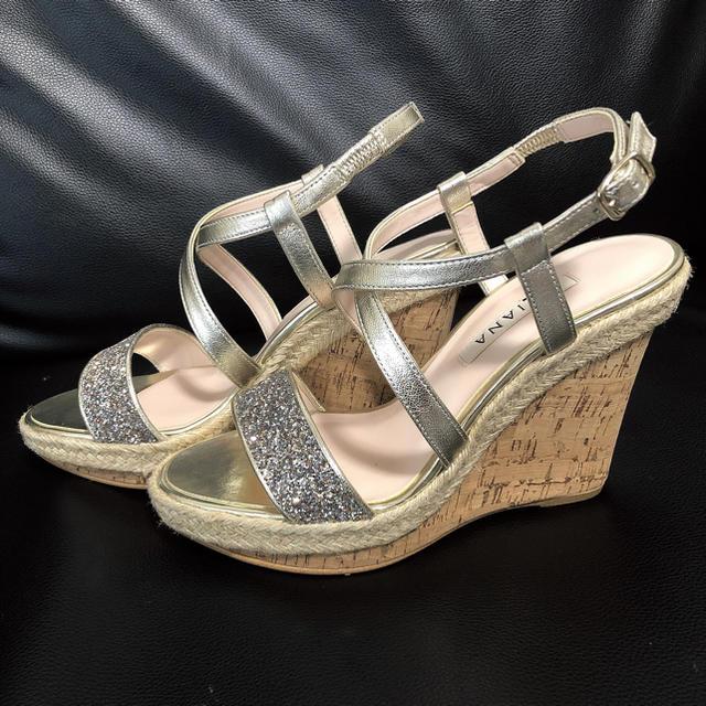 DIANA(ダイアナ)のダイアナ  ウェッジ   サンダル レディースの靴/シューズ(サンダル)の商品写真