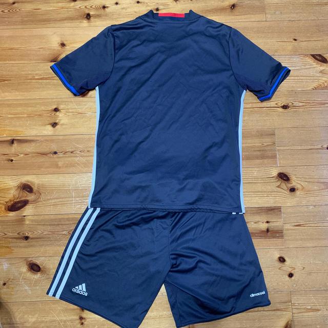 adidas(アディダス)のadidas日本代表サッカーユニフォーム160cm スポーツ/アウトドアのサッカー/フットサル(ウェア)の商品写真