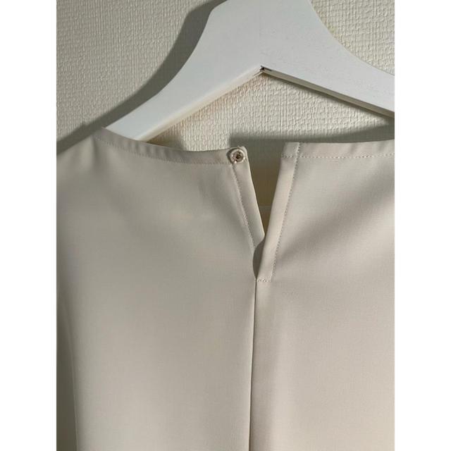 23区(ニジュウサンク)のオンワード23区 ブラウス 半袖 レディースのトップス(シャツ/ブラウス(半袖/袖なし))の商品写真