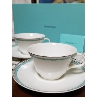 Tiffany & Co. - Tiffany & CO. 新品未使用 プラチナ ブルー バンド  ペアカップ