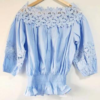 ZARA - お花刺繍がいっぱい(๑˃̵ᴗ˂̵)✨‼️爽やかブルー❤️GRL❤️オフショル