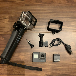 ゴープロ(GoPro)の激安❤️GoPro5❤️付属品カバーあり!(コンパクトデジタルカメラ)