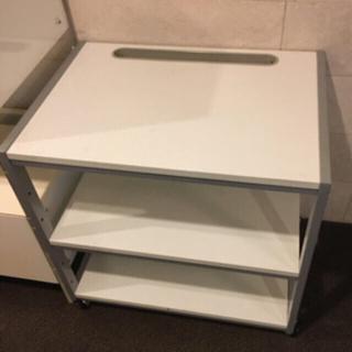 カリモクカグ(カリモク家具)のデスクワークやTV置きに抜群のデスク、テーブル(オフィス/パソコンデスク)