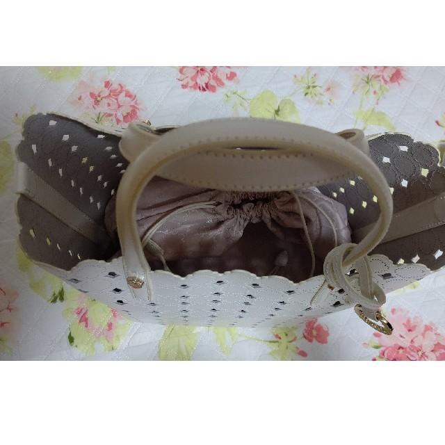 TOCCA(トッカ)の新品未使用TOCCACANDYCLOVERTOTEバッグクローバーホワイト白 レディースのバッグ(トートバッグ)の商品写真