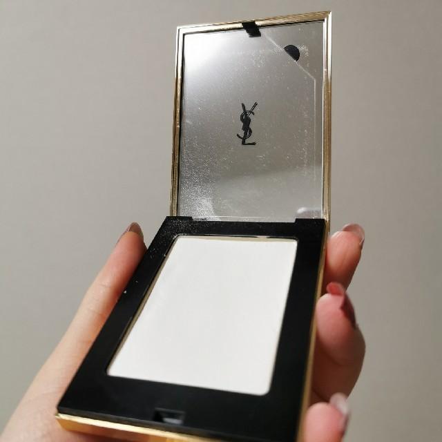 Yves Saint Laurent Beaute(イヴサンローランボーテ)のイブサンローラン フェイスパウダー 9g コスメ/美容のベースメイク/化粧品(フェイスパウダー)の商品写真