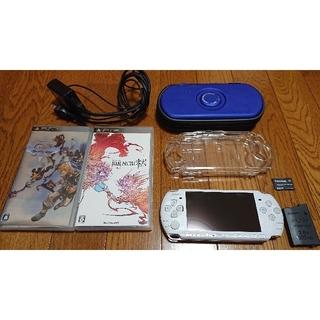プレイステーションポータブル(PlayStation Portable)のPSP-3000 PW ソフト2本(携帯用ゲーム機本体)
