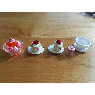 シルバニア デザートとカップ