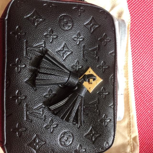 LOUIS VUITTON(ルイヴィトン)のルイヴィトンサントンジュブラック レディースのバッグ(ショルダーバッグ)の商品写真