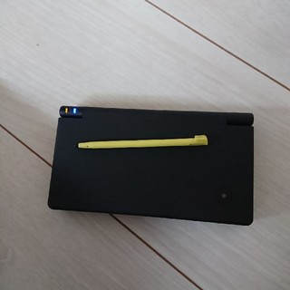 ニンテンドーDS - 美品!!dsi本体☆黒 タッチペン付き。黄色
