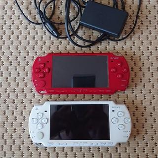 プレイステーションポータブル(PlayStation Portable)のPSP本体(バッテリー無し)  白/赤セット(携帯用ゲーム機本体)