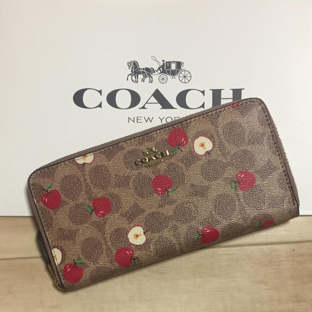 COACH(コーチ)の新品 [COACH コーチ] 長財布 りんご柄 アップル レディースのファッション小物(財布)の商品写真
