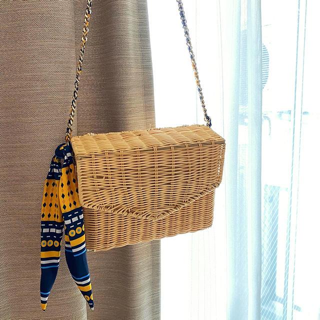 ZARA(ザラ)のzara ラフィアショルダーバッグ レディースのバッグ(ショルダーバッグ)の商品写真