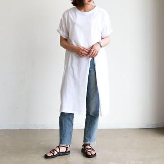 アンティローザ(Auntie Rosa)のアンティローザホリデー スリットスラブカット(Tシャツ(半袖/袖なし))