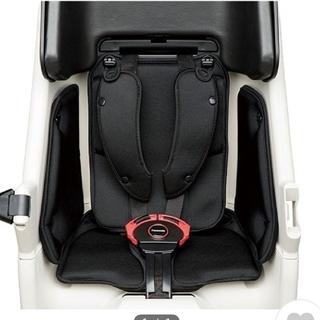 パナソニック(Panasonic)のPanasonic  ギュット 後ろシート用 クッション(自動車用チャイルドシートカバー)