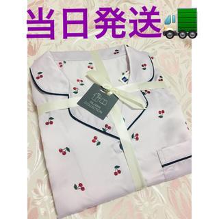 ジーユー(GU)のGU パジャマ チェリー 半袖ショートパンツ パープルM(パジャマ)