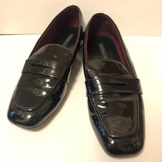 チャールズアンドキース(Charles and Keith)のエナメル ローファー チャールズアンドキース ブラック 38(ローファー/革靴)