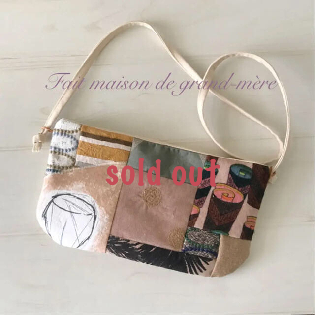 mina perhonen(ミナペルホネン)のhandmade  mina perhonen  サコッシュ レディースのバッグ(ショルダーバッグ)の商品写真