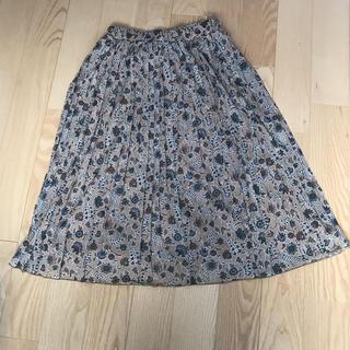 ジーユー(GU)のGUジーユー プリーツスカート フラワー 新品(ひざ丈スカート)