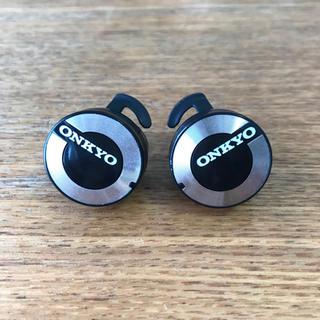 オンキヨー(ONKYO)のONKYO W800BT ワイヤレスイヤホン(ヘッドフォン/イヤフォン)