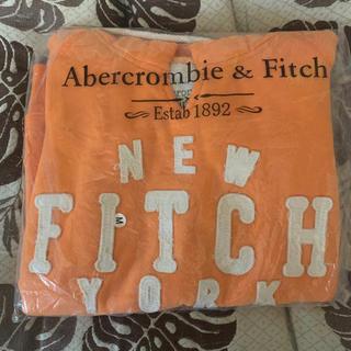 アバクロンビーアンドフィッチ(Abercrombie&Fitch)のAbercrombie&Fitch パーカー オレンジ レディースM 新品!(パーカー)