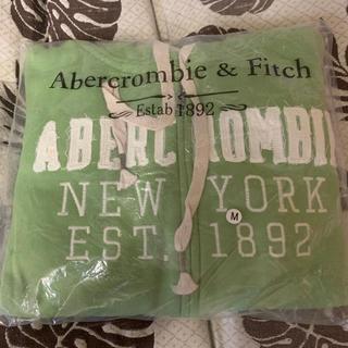 アバクロンビーアンドフィッチ(Abercrombie&Fitch)のAbercrombie&Fitch パーカー グリーン レディースM 新品!(パーカー)