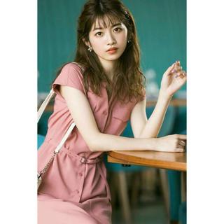 《堀田茜さん着用》ベルト付きノーカラーサファリシャツとマーメイドスカートセット