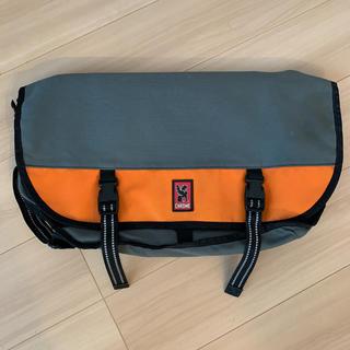 クローム(CHROME)のCHROME CITIZEN メッセンジャーバッグ グレー×オレンジ(メッセンジャーバッグ)