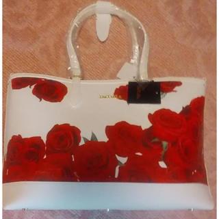 ダチュラ(DaTuRa)のダチュラ ローズ柄バラ柄 白×赤 トートバッグ(トートバッグ)