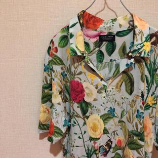 ザラ(ZARA)の【これからの季節に!】ZARAMAN 花柄総柄 開胸半袖シャツ Lサイズ(シャツ)
