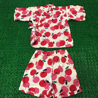 ファミリア(familiar)の美品 familiar ファミリア 甚平 浴衣 りんごがいっぱい 80サイズ(甚平/浴衣)