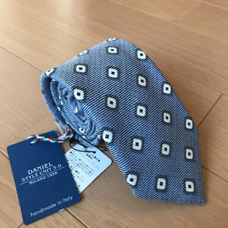 ビームス(BEAMS)のビームスで購入ダニエルDaniel 小紋柄ネクタイ新品 夏素材 ブルーグレー(ネクタイ)