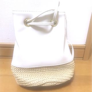 ジーユー(GU)の♡GU ザツザイコンビネーションドローストリングバッグ ホワイト 新品未使用品♡(ハンドバッグ)