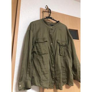 アーバンリサーチ(URBAN RESEARCH)のアーバンリサーチ カーキのシャツ(シャツ)