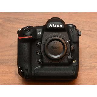 Nikon - ニコン D5 XQD-Type ボディ 完動美品 ショット数:1,000枚以下
