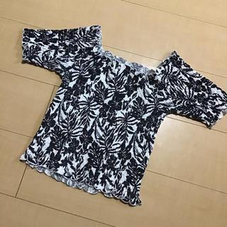 ジーユー(GU)のアロハ柄総ギャザーオフショルカットソー(Tシャツ/カットソー(半袖/袖なし))