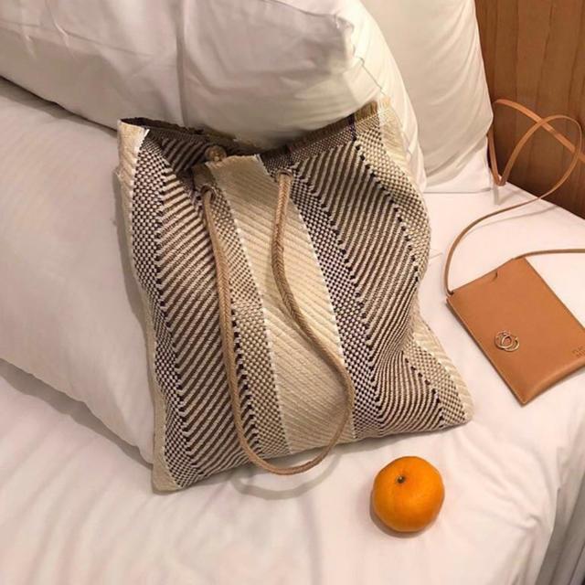 TODAYFUL(トゥデイフル)のリネン風 麻縄 ストライプトート ハンドバッグ  カジュアル  柄 ナチュラル レディースのバッグ(トートバッグ)の商品写真