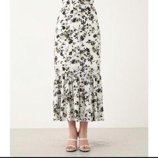 rienda(リエンダ)のrienda花柄スカート 田中みなみ着用 レディースのスカート(ロングスカート)の商品写真