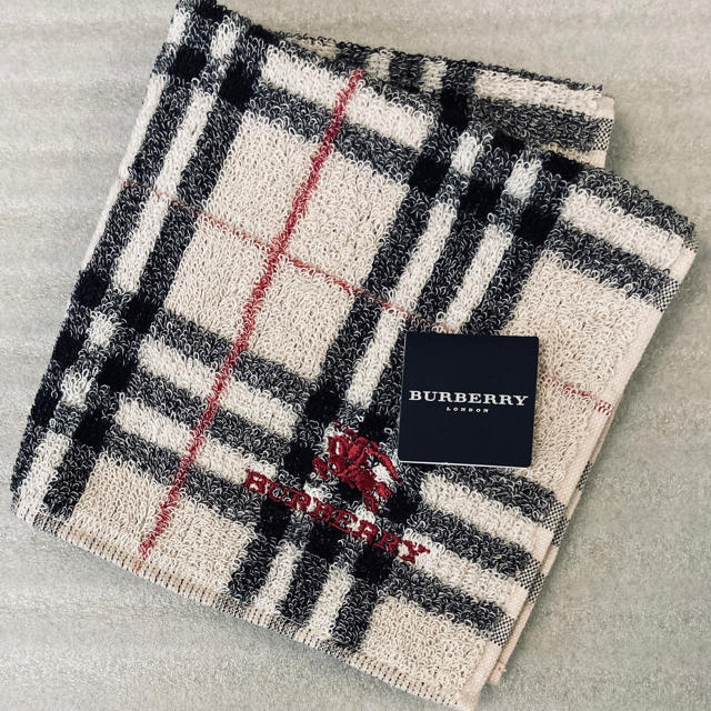 BURBERRY(バーバリー)の新品 Burberry バーバリー♡タオルハンカチ レディースのファッション小物(ハンカチ)の商品写真