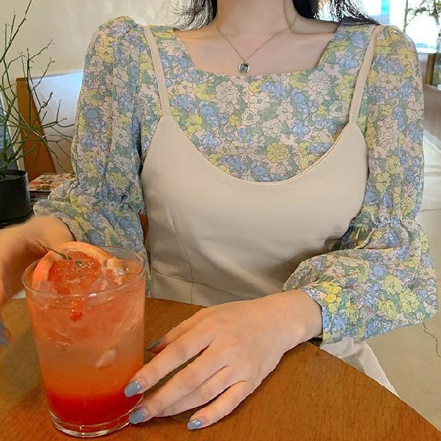 ZARA(ザラ)のスクエア 花柄ブラウス レディースのトップス(シャツ/ブラウス(長袖/七分))の商品写真